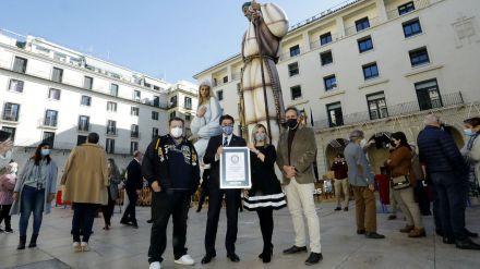 """La """"Sagrada Familia"""" de Alicante es el Belén con las figuras más altas del mundo"""