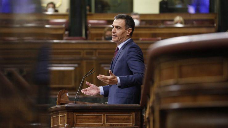 Sánchez: 'Sólo de nosotros depende no abrir la puerta a la tercera ola en Navidad'