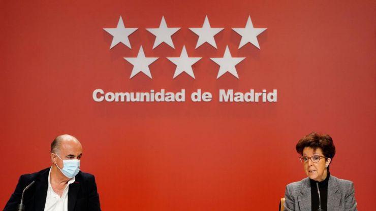 Madrid adelanta el toque de queda, aunque solo una hora