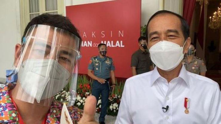 El error de vacunar primero a los 'influencers' en Indonesia