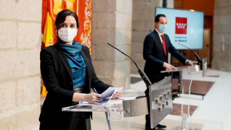 Ayuso hará gratis test de antígenos en farmacias y clínicas dentales en zonas de alta incidencia