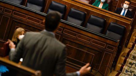 Casado reclama a Sánchez que saque a Podemos del Gobierno