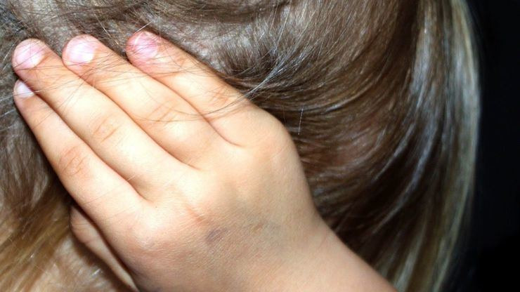 Abusó sexualmente de su hijastra de 13 años defendiendo que eran