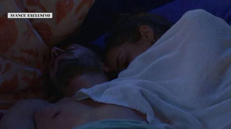 Lucía e Isaac y su inesperado acercamiento que Sandra enseña a Marina al día siguiente
