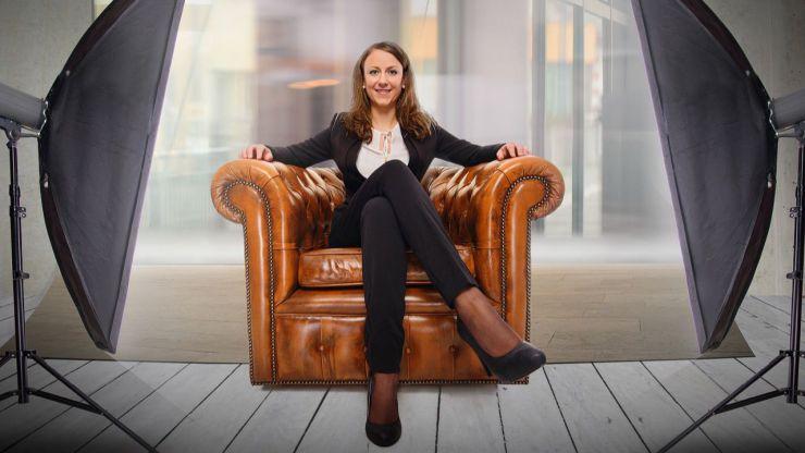 Las mujeres multiplican por diez su presencia en las corporaciones locales