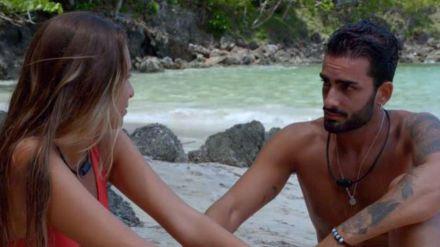 Crece la tensión entre Toni y Claudia: 'La manera en la que nos miramos dice más que un beso'