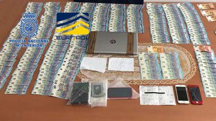 Detenidos en Huelva dos individuos por vender moneda falsa a través de redes sociales