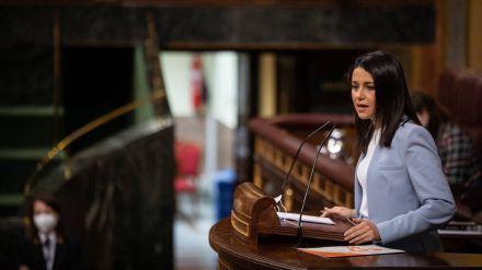 Arrimadas a Sánchez: 'La propaganda no llena la cuenta corriente ni la nevera de los españoles'
