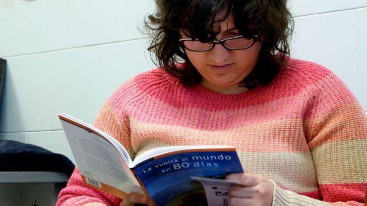 Plena inclusión celebra el Día del Libro con una campaña que insiste en el valor de la lectura fácil