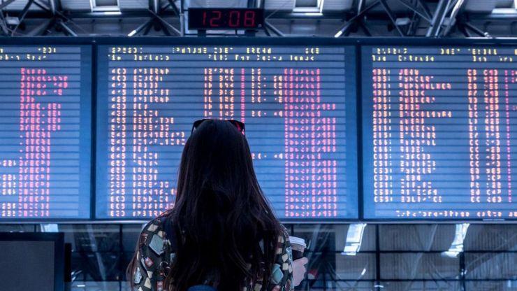 ¿Quién debe devolver el dinero de un vuelo cancelado? ¿La aerolínea o la agencia de viajes?