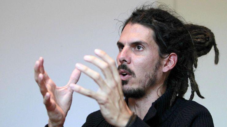 El Supremo sienta en el banquillo al número tres de Podemos