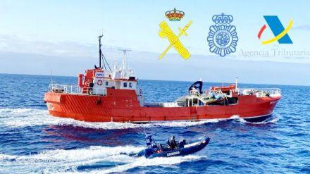 Incautado un pesquero en alta mar al este de Canarias con 15 toneladas de hachís a bordo