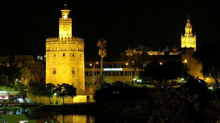 Correos emite un sello para conmemorar los 800 años de la Torre del Oro
