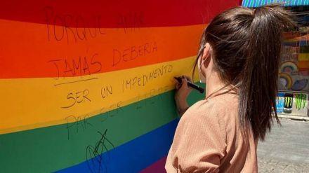 Carpa de @jovenesCs en Chueca