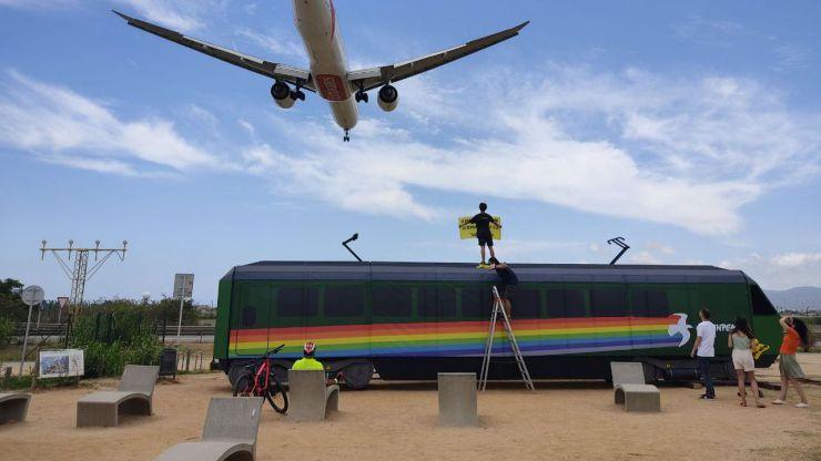 Greenpeace exige 'Más Trenes y Menos Aviones'