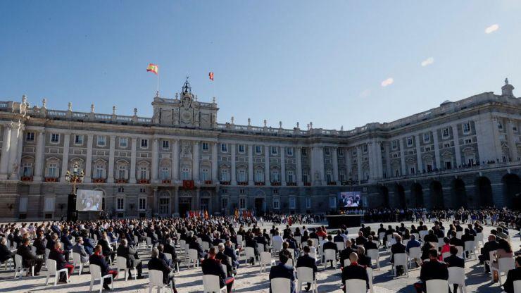 España rinde tributo a las víctimas de la pandemia