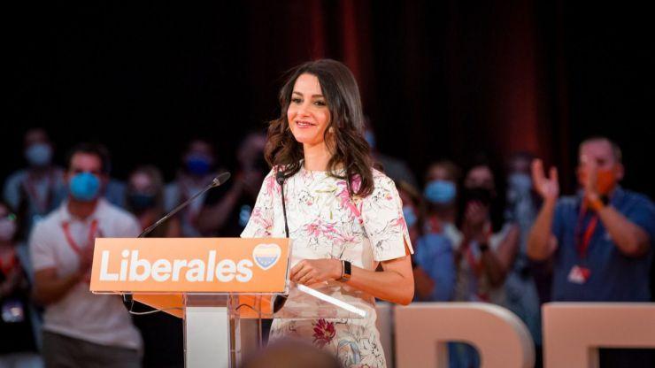 Arrimadas se niega a que Ciudadanos decaiga y aspira a reflotar el partido 'a la europea'