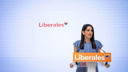 Arrimadas: 'Sin Ciudadanos podrá haber alternancia entre rojos y azules, pero no alternativa'