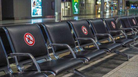 Los turistas internacionales echan el freno ante la explosión de contagios