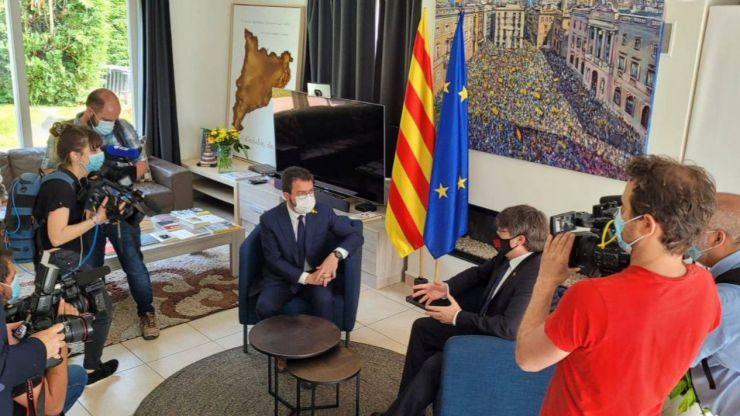 Absueltos de encubrimiento los dos mossos que acompañaron a Puigdemont por Europa