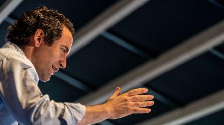 Egea acusa a Sánchez de premiar el 'desplante' de Aragonés a todos los españoles
