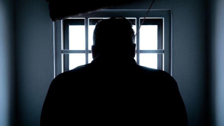 12 años de prisión a un hombre por matar a otro al lanzarlo desde un séptimo piso