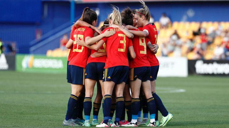 La Selección española femenina hace historia y se cuela entre las diez mejores del mundo
