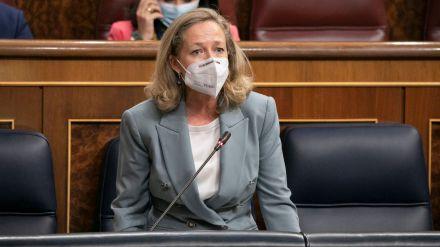 Calviño reprocha al PP que se opongan a 'todo', desde el CGPJ a la subida del SMI o las medidas para bajar la luz