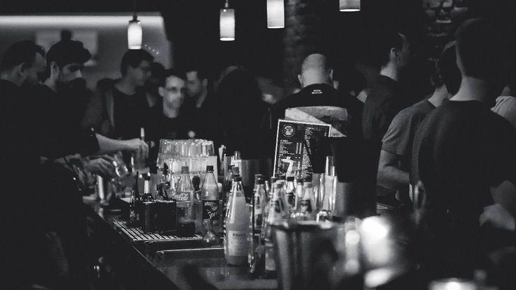 Interior de un bar - Imagen de archivo