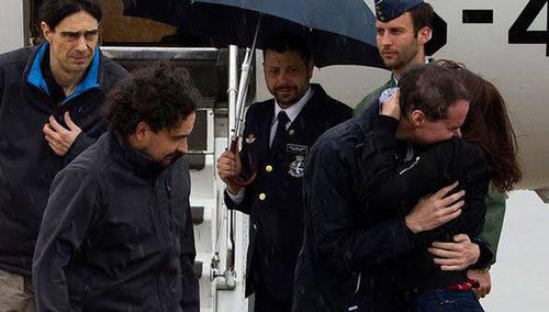 Los periodistas españoles secuestrados en Siria ya están en Madrid