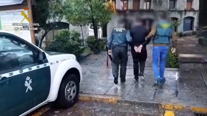 Detenidos por engañar y abusar de varias menores con la disculpa del 'fin del mundo'
