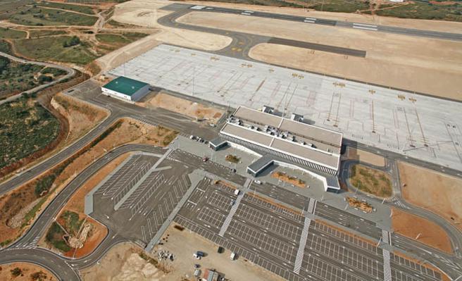 Colomer: 'La línea aérea a Madrid multiplicará la conectividad del aeropuerto y la proyección internacional de Castellón'