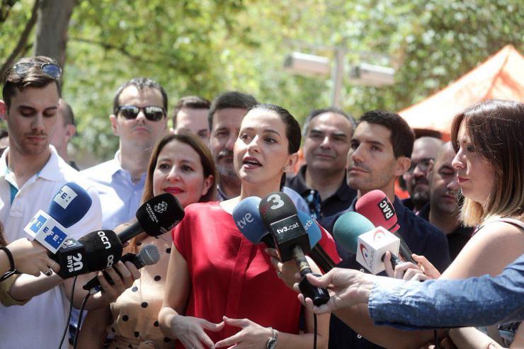 """Arrimadas: """"En una semana, Sánchez ha cerrado 100 pactos de la infamia con separatistas, supremacistas y nacionalistas"""""""