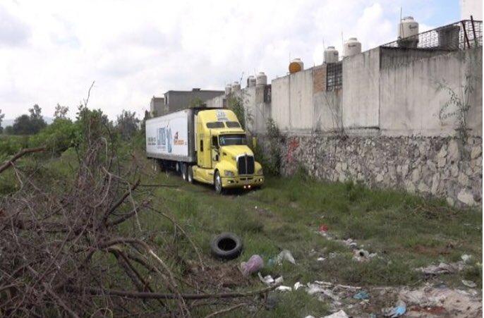 Encuentran un camión repleto de cadáveres en México