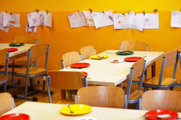 Los niños y niñas en situación de exclusión social de 96 municipios valencianos disfrutarán de escuelas de verano gratuitas