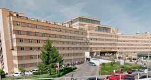 Hospitalizado un varón atrapado en Burgohondo (Ávila) por un multicultor