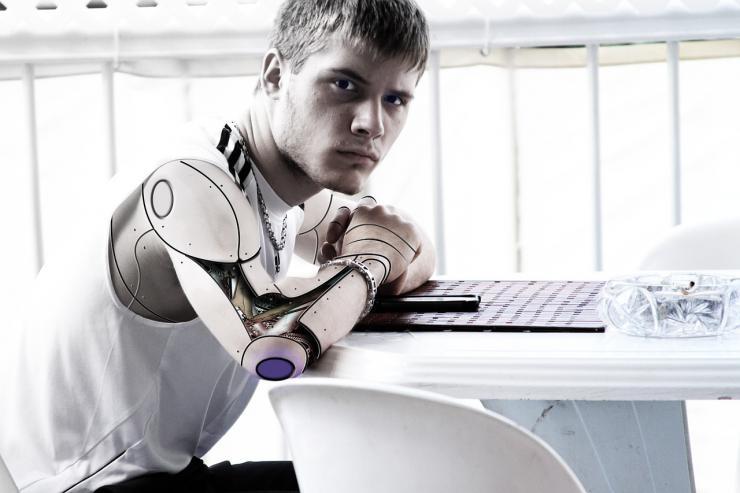 Mi compañero de trabajo es un robot