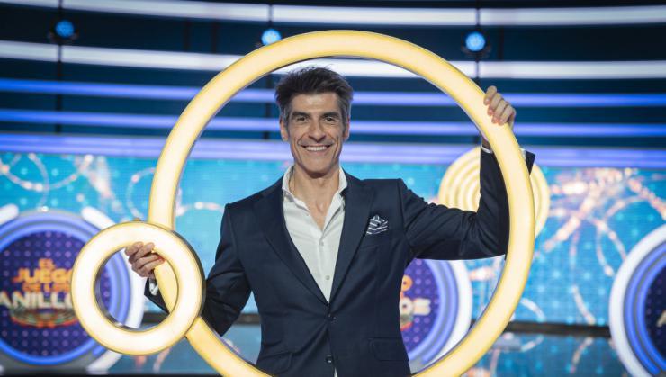 Jorge Fernández regresa al prime time liderando con 'El juego de los anillos'