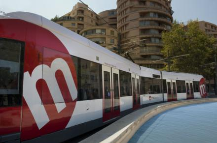 El tranvía de València cumple 25 años en los que ha desplazado más de 155 millones de viajeros y viajeras