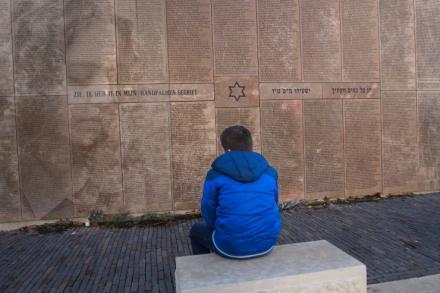 El Holocausto: Destrucción y redención para… nunca más