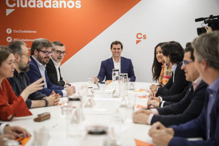 """Villegas: """"Sánchez no va a contar con nuestro voto o abstención"""""""
