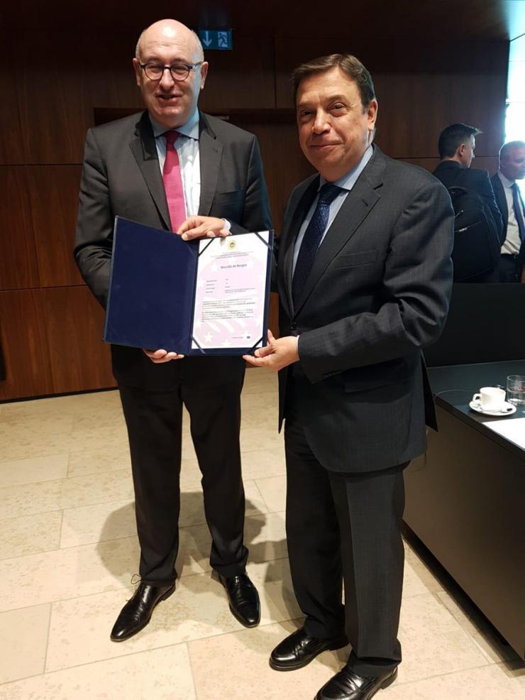 Luis Planas demanda que la PAC tenga un presupuesto al nivel de los nuevos retos de la agricultura