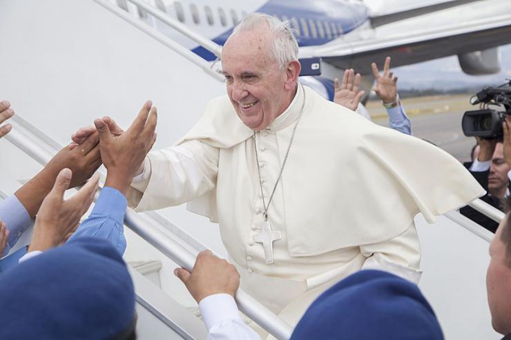 """Una buena del Papa Francisco (o la """"rosa de la revolución"""")"""