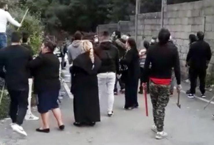 A pedradas contra la policía tras un control por saltarse el confinamiento