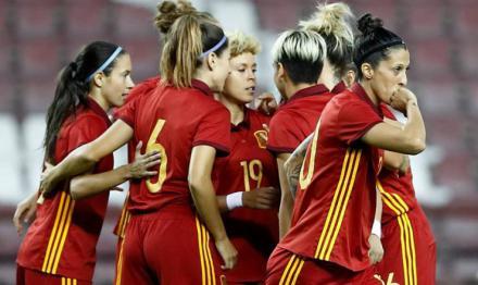 La RFEF impulsa medidas para la igualdad de mujeres futbolistas