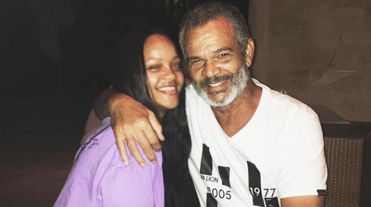 Rihanna acaba con su padre en los Tribunales