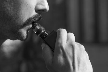 El vapeo, el método de moda para dejar de fumar