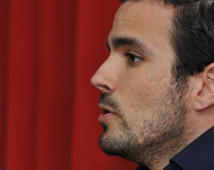 Garzón llama a mujeres y hombres a participar activamente en el próximo 8M