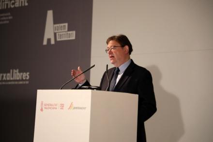Ximo Puig anuncia un plan para garantizar servicios en municipios en situación de emergencia social o económica