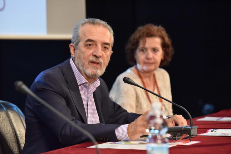 El Ayuntamiento de Sevilla inicia la contratación de 88 profesionales para el Plan de Intervención Social en zonas desfavorecidas